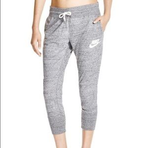 Nike Gym Vintage Crop Jogger Sweatpants M